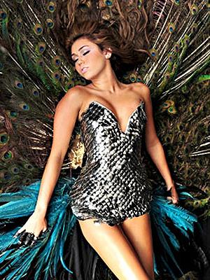 Detalhe do clipe de 'Can't be tamed', com Miley Cyrus (Foto: E!/Divulgação)