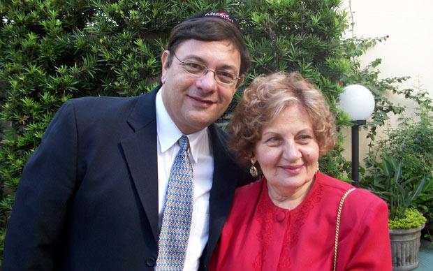Carlos Marcovici, que não dá presente no Dia das Mães