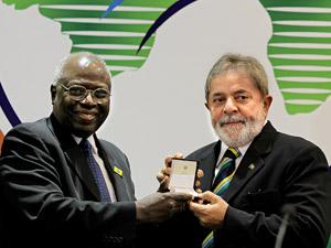 Presidente Lula é condecorado pela ONU com o título de 'Campeão Mundial na Luta Contra a Fome', no Palácio Itamaraty