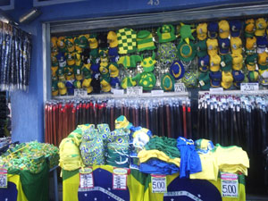Lojas do Saara oferecem tudo para a Copa do Mundo
