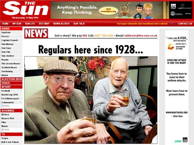 Les Perkins e Chris Parfitt celebram oito décadas no mesmo  bar
