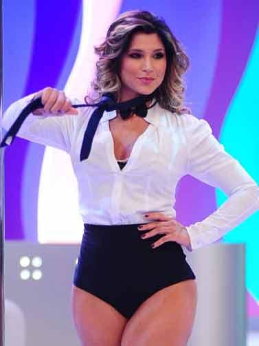 Danielle Souza - Mulher Samambaia