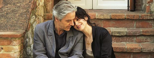 Cena de 'Copie conforme', de Abbas Kiarostami, que concorre à Palma de Ouro no festival.