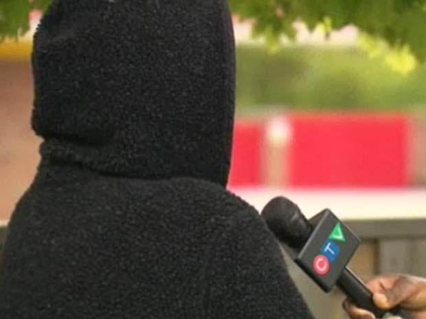 Mulher deu entrevista à 'CTV News', mas não mostrou o rosto.