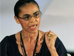 A pré-candidata do PV à Presidência da República, Marina Silva, participa de debate na 13ª Marcha de Prefeitos a Brasília.