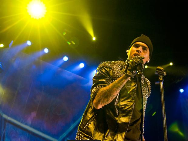O cantor Chris Brown em show em São Paulo na noite da última quinta-feira.