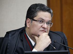 O ministro-substituto do Tribunal Superior Eleitoral (TSE), Henrique Neves, em foto de arquivo