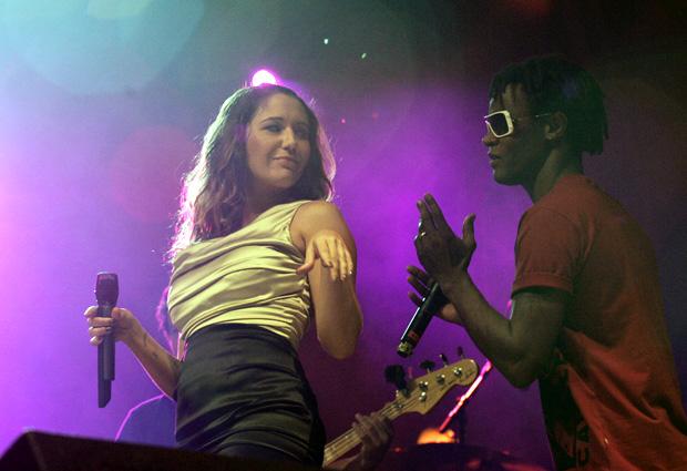 Maria Rita e Toni Garrido fazem dueto no Rock in Rio Lisboa, neste sábado (22).
