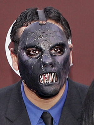 Paul Dedrick Gray, baixista do Slipknot, encontrado morto nos EUA.