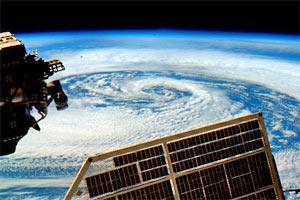 Astronauta fotografa ciclone (Soichi Noguchi / ISS)