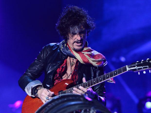 O grupo de hard rock Aerosmith inciou nesta quinta-feira  (27), por Porto Alegre, sua miniturnê no Brasil. A banda também irá se  apresentar em São Paulo no sábado (29), e depois partirá para Colômbia,  Venezuela, Peru e Chile.