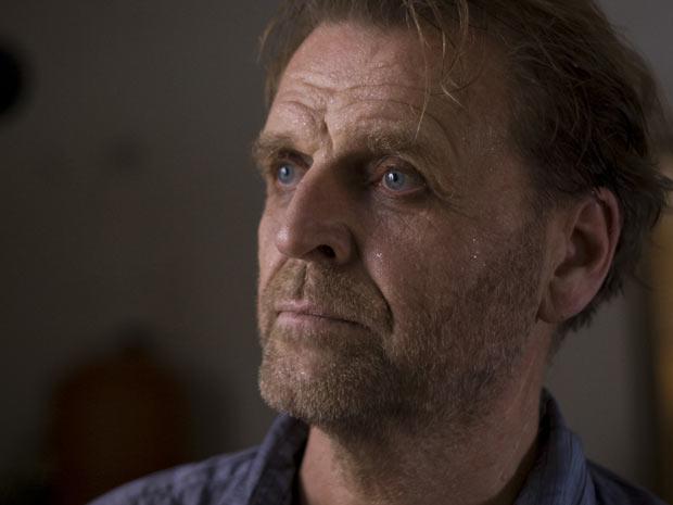 David Rasche é o protagonista de 'Olhos azuis'