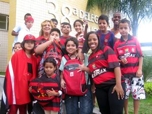 Muita gente vestiu a camisa do Flamengo para ver Adriano.