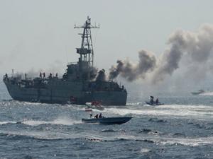 Tropas da Guarda Revolucionária realizam exercícios navais