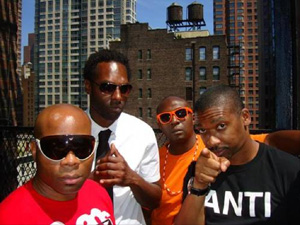 O grupo de rap underground Anti-Pop Consortium