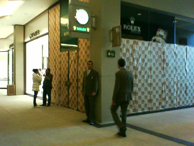 a0294235ee7 G1 - Assaltantes fizeram funcionária refém no Shopping Cidade Jardim ...