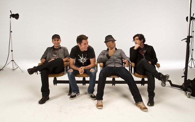 O Capital Inicial lança seu novo disco, `Das kapital`em São Paulo neste sábado (12).