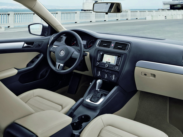 Auto Esporte Volkswagen Apresenta Oficialmente O Jetta Sedan E Divulga Novas Imagens
