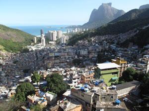 Vista do alto da favela