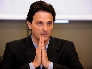 O líder do DEM na Câmara, deputado Paulo Bornhausen, em abril