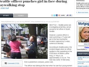 Momento em que policial agride adolescente em Seattle