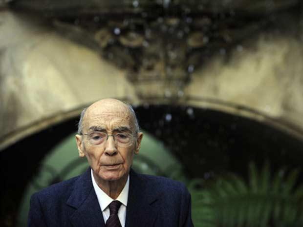 Autor José Saramago, em novembro de 2009