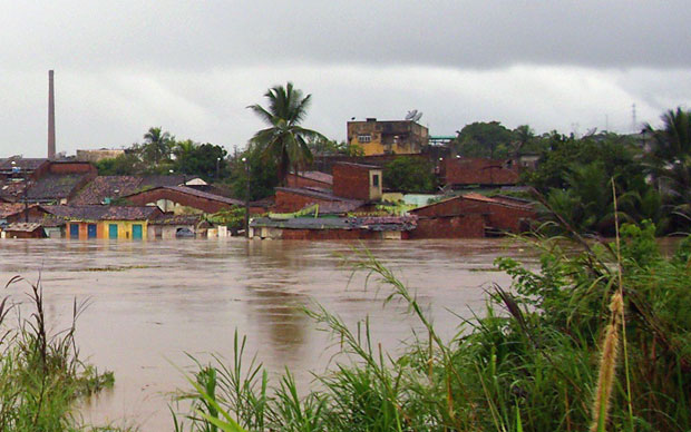 Na sexta-feira (18), cidade estava coberta pela água