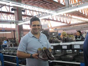 O supervisor Leonel Alves, 40 anos, começou a trabalhar há menos de um mês e já recebeu duas propostas de emprego desde então: 'O emprego em Franca está bombando'