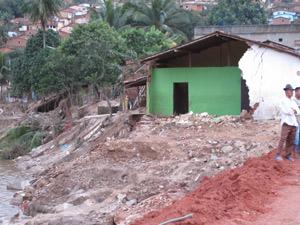 Casas ficaram destruídas em Jaqueira