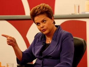 Dilma Rousseff participa do programa 'Roda Viva' nesta segunda-feira (28)
