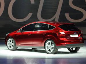 Nova geração do Ford Focus será produzida na Tailândia em 2012 (Foto: Stan Honda/AFP)