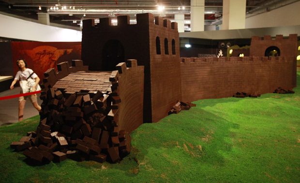 Depois de fazer sucesso na China, a exposição 'Mundo  maravilhoso do chocolate' chega a Taipei, em Taiwan. Na mostra, há  réplicas de monumentos famosos, como a Muralha da China.