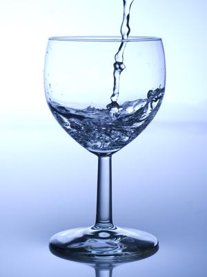 Efeitos da água no organismo afetam sistema nervoso simpático, segundo estudo