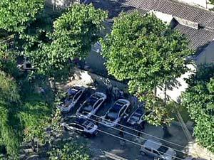 Movimentação de carros na Delegacia de Homicídios do Rio - caso Bruno