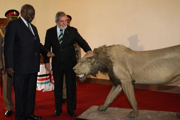 Presidente Lula e o presidente do Quênia, Mwai Kibaki, em Nairóbi  (Nairóbi, Quênia, 06/07/2010)