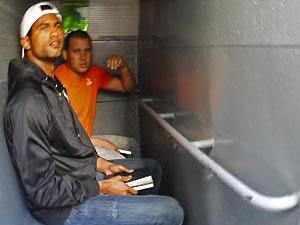 Bruno e Macarrão sendo transferidos para Bangu