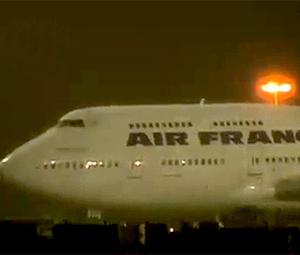 Aeronave, que tinha decolado às 16h20 de terça-feira (13), teve de voltar ao Galeão.