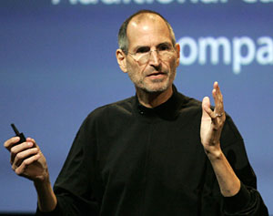 Steve Jobs, CEO da Apple, durante evento para discutir problemas com iPhone 4.