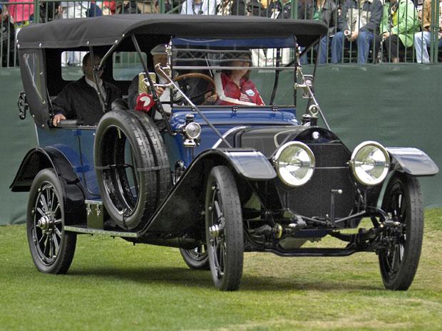 O Chalmers 18 Six 1913 foi um modelo de transição, que marcou a chegada de uma nova era de veículos. Ele usa partida a  ar comprimido, apesar de já possuir gerador elétrico.
