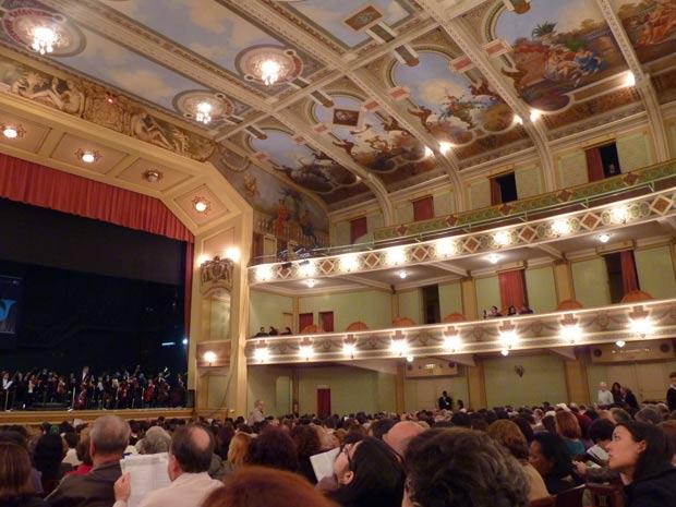 Público vibrou com a Orquestra Filarmônica de Minas Gerais