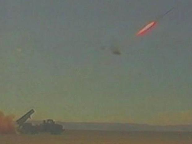 Foto de arquivo divulgada pelo Ministério da Defesa de Israel mostra foguete lançado a partir do sistema Domo de Ferro durante teste.