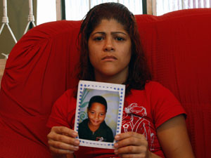Islane Rodrigues mãe de wesley morto bala perdida em ciep costa barros