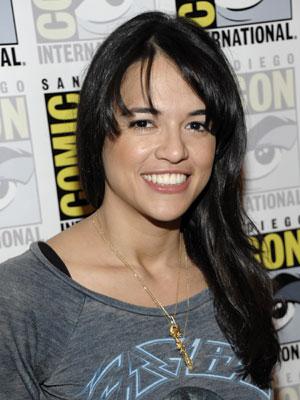 A atriz Michelle Rodriguez, de 'Machete', participa da Comic-Con (Foto: AP)