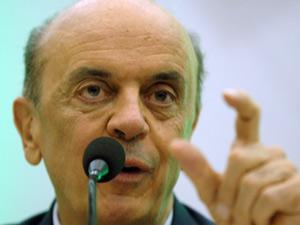 Serra durante palestra na Federação das Indústrias de Santa Catarina (Fiesc)