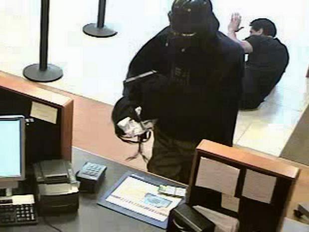 Bandido vestido de 'Darth Vader' roubou banco nos EUA.