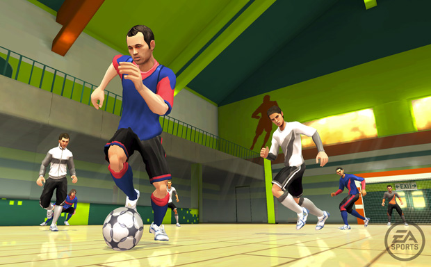 Iniesta dribla adversários em modo 'pelada' de 'Fifa 11' para o Wii.