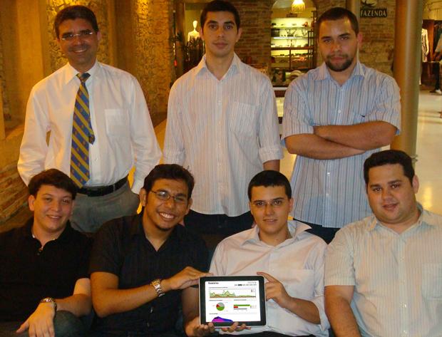 Equipe da empresa Eleitorando, que faz monitoramento de redes sociais com ferramenta própria.