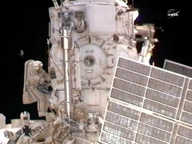 Cosmonautas integram módulo russo Rassvet à ISS após caminhada Nasaiss1