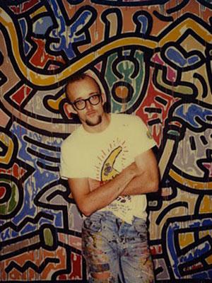 O artista Keith Haring nos anos 80.