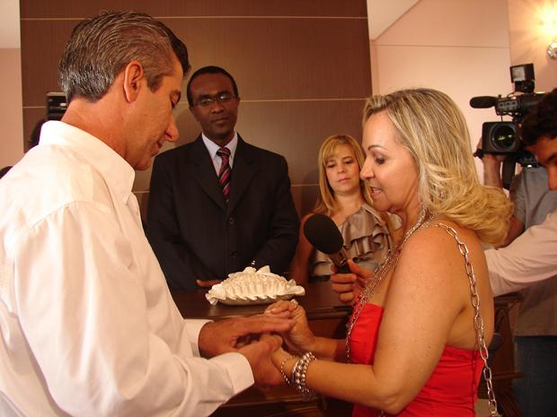 Após ser adiado, casamento de professora e pedreiro acontece em Ribeirão Preto